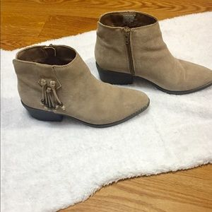 White Mountain Taupe Leather Booties